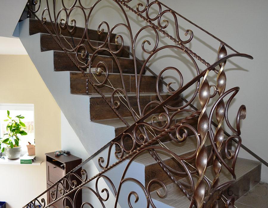 кованые ограждения лестниц картинки делового